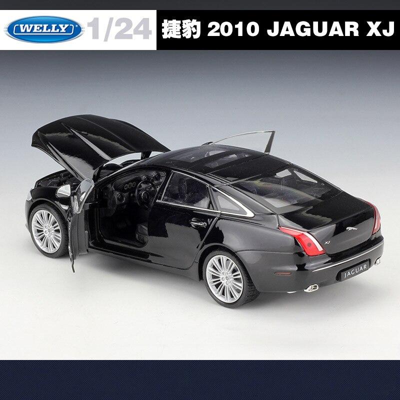 Welly 1:24 Jaguar XJ Metal Diecast Model Car Black New in Box