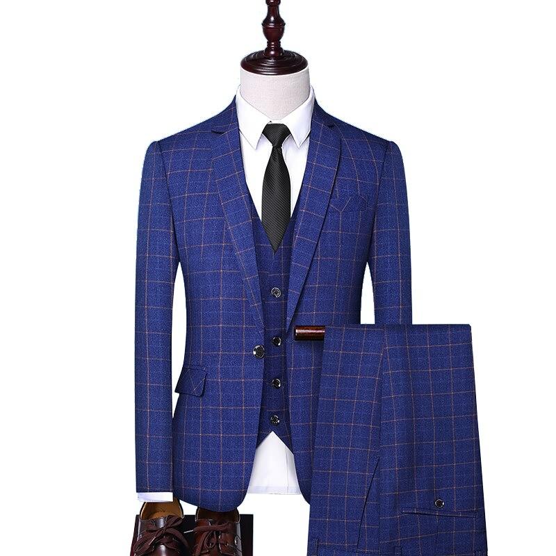 Modo di marca di Alta Qualità A Scacchi Mens Formali Vestito di Affari Del Vestito Da Cerimonia Nuziale Dello Sposo del Vestito Fase (Jacket + Vest + pantaloni)-in Completi uomo da Abbigliamento da uomo su  Gruppo 1