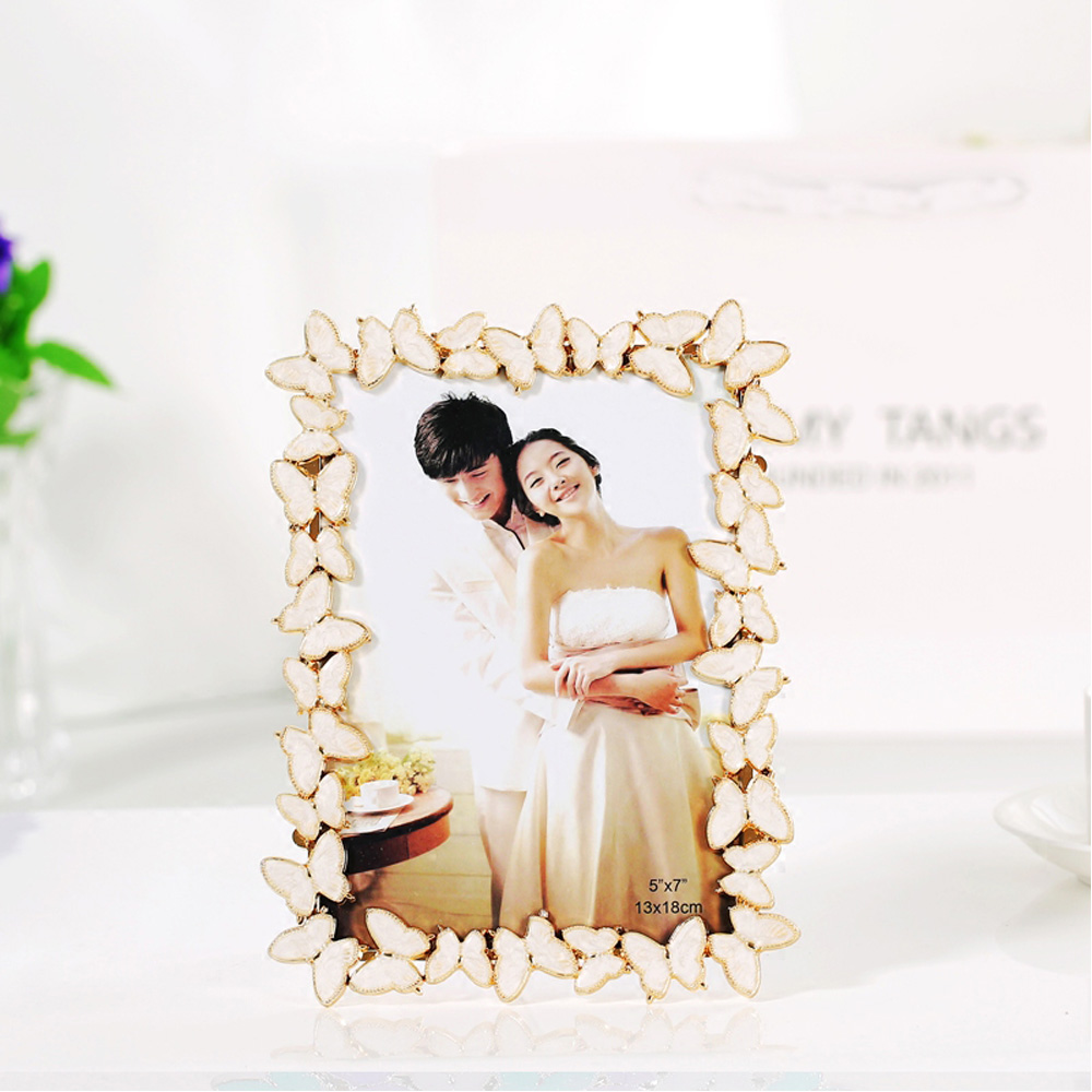 Modern Wedding Gifts: Modern Style Resin Photo Frame For Wedding Gifts RPF039-in
