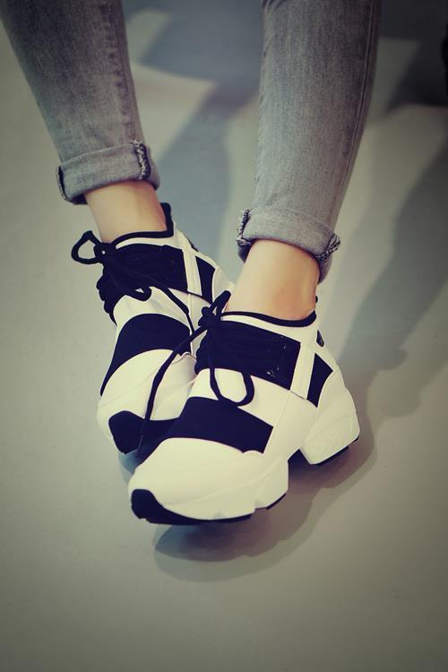 Cool Sneakers Women | TopSneakers