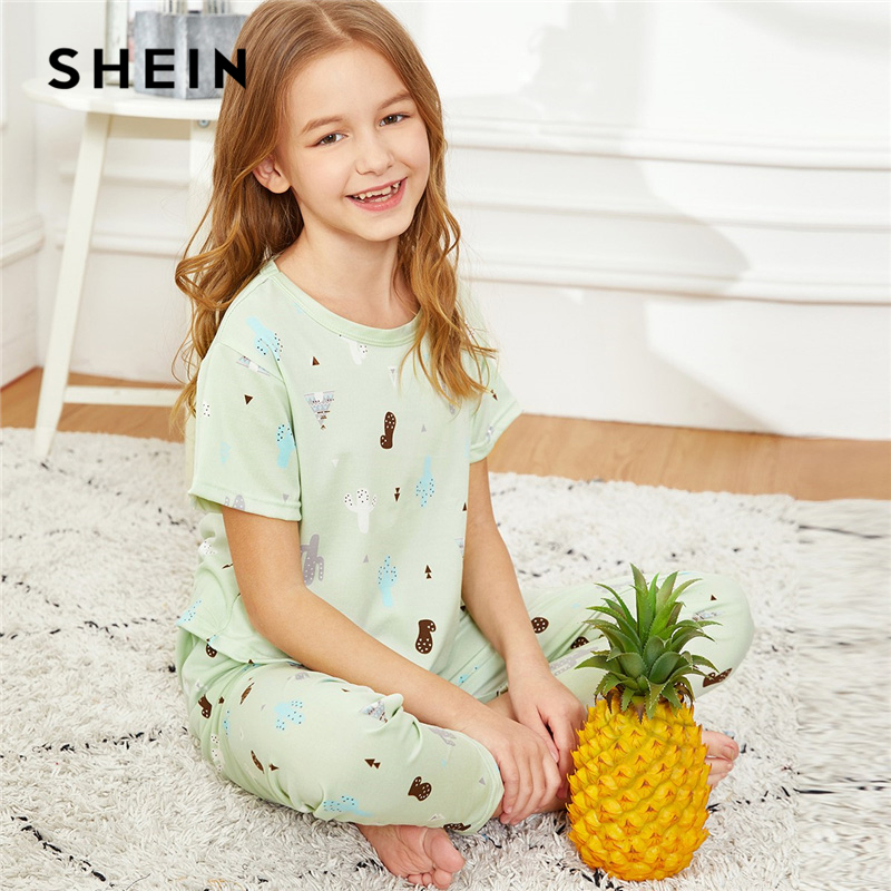 SHEIN Kiddie Green Cactus Print Top And Pants Girls Sleepwear Kids Pajama Set 2019 Short Sleeve Cute Pajamas For Girls cactus print makeup bag