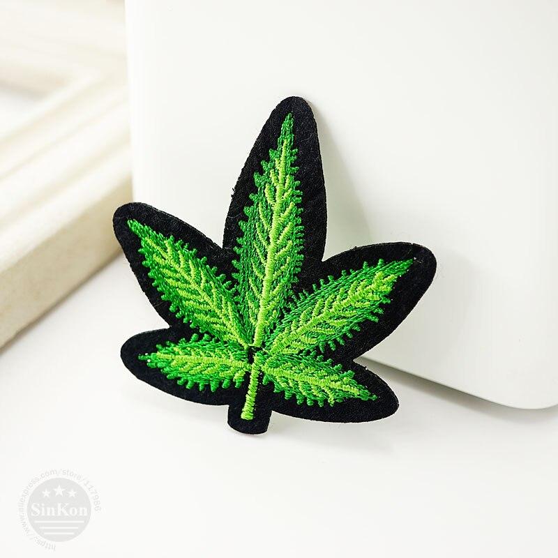 1Pcs Leaf (Size:5.5x5.6cm) DIY Cloth Badges Mend Decorate Patches Jeans Bag Clothes Apparel Sewing Decoration Applique