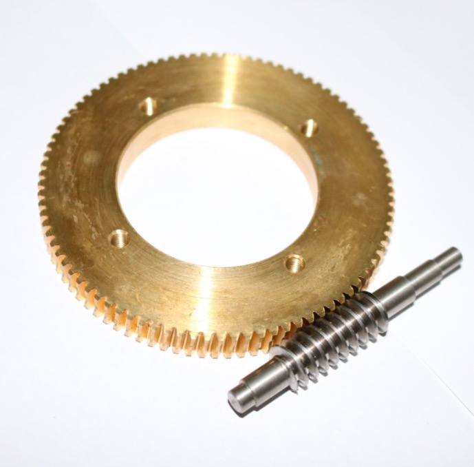 Gear diameter:93mm  1:90  ratio 1M 90T steel worm gear  reduction gear