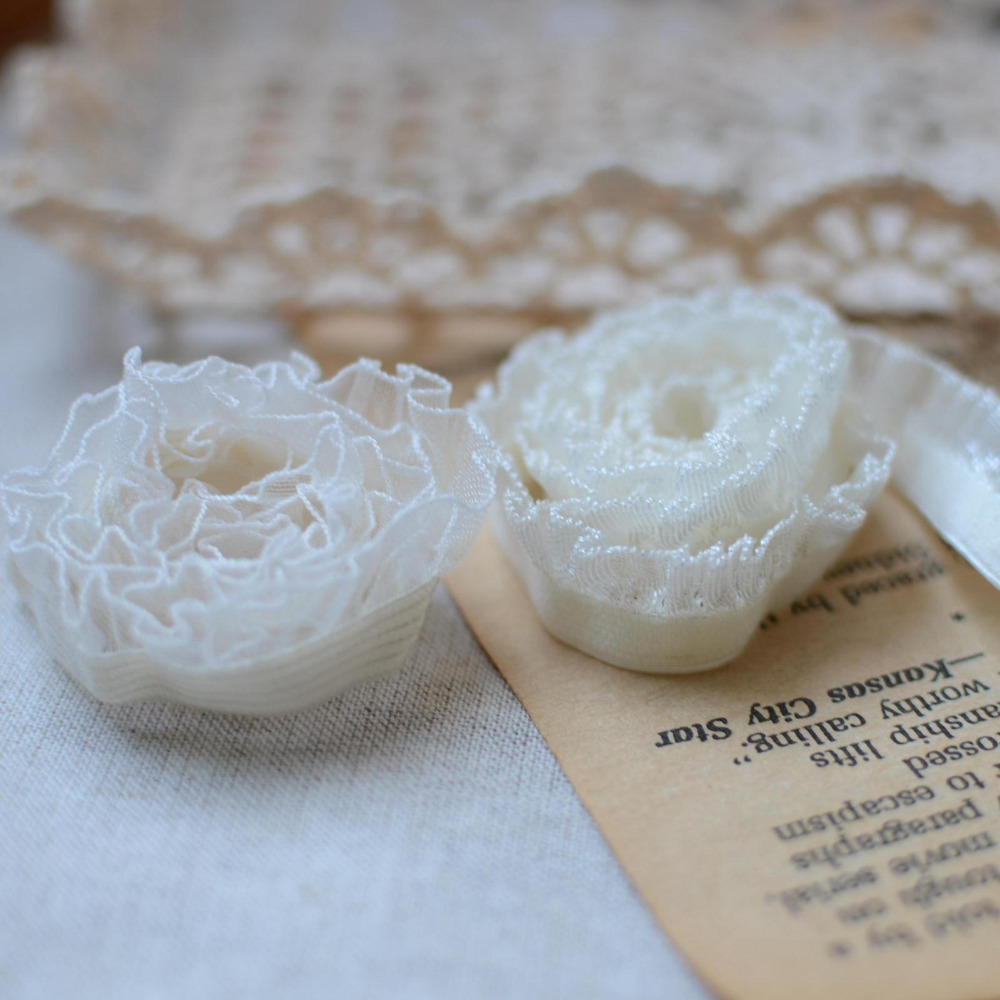 Hot! Hot Selling 1.3-1.4cm 30meter Off White Elastic Lace Ribbon Woman Stretch Ruffles Trimming Accessary Z175