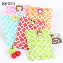 25pcs candy bag wedding favor bags Valentine 's Day paper Bag Gift Packaging Wedding Party decoration Even Party Supplies