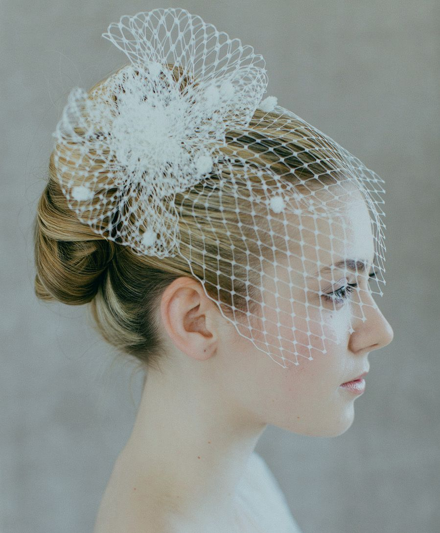 New White Ivory Bridal Net Birdcage Veils Charming Wedding Veil Hats Fascinator Face Veils with Comb