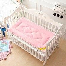 Детская кроватка для малышей, мягкий бархатный матрас для новорожденных, удобная переносная детская простыня, пеленальные подушки, чехлы