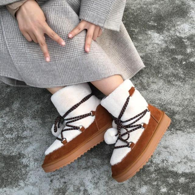 Black Brown Cross-tied Slip On Winter Women Snow Boots White Fur Shearling Warm Ankle Boots Low Heels Flat Round Toe Women Shoes