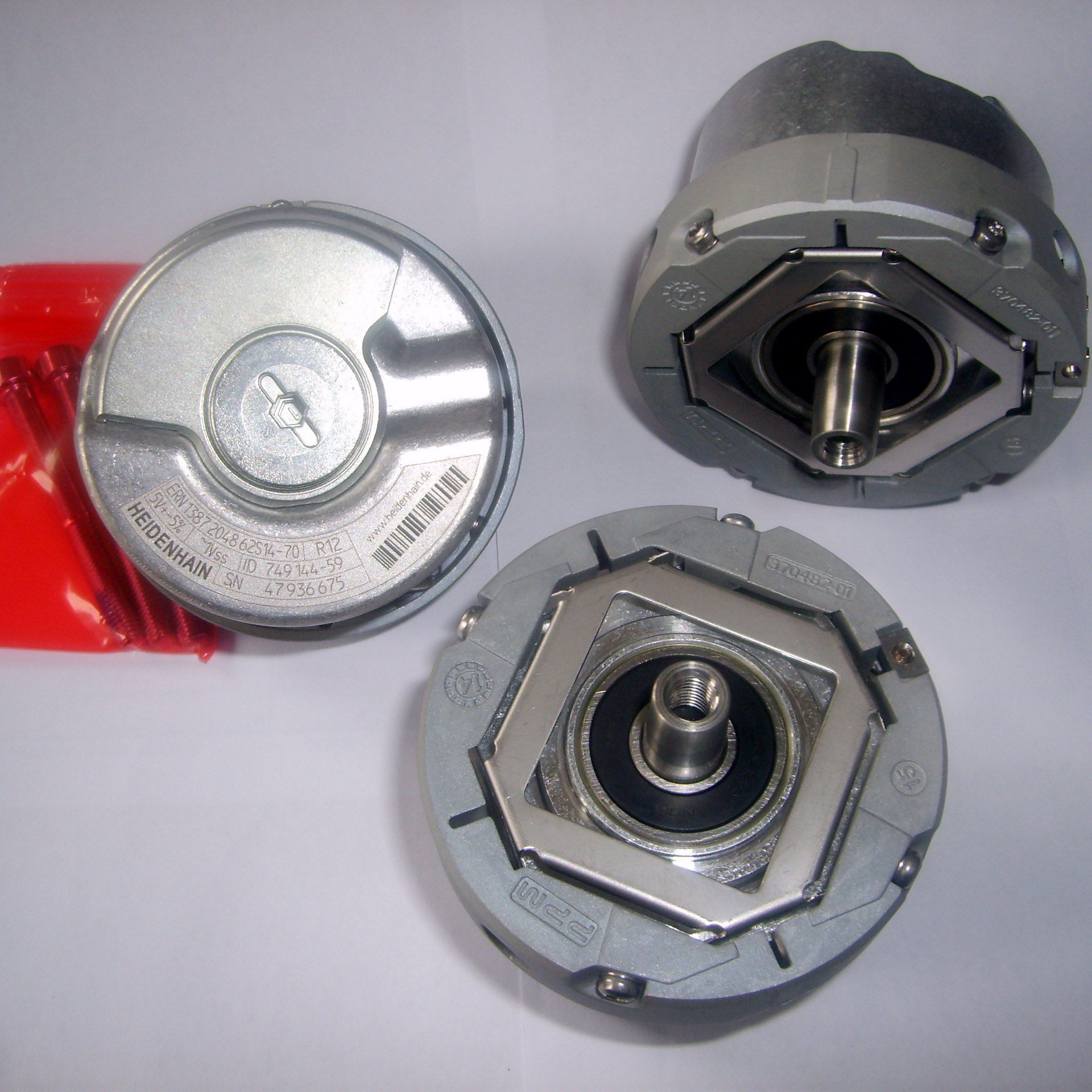 NEW ENCODER ECN 1313 2048 62S12-78 Rotary Encoder Resolver ECN1313204862S12-78 rotary encoder ose104 second hand looks like new tested working
