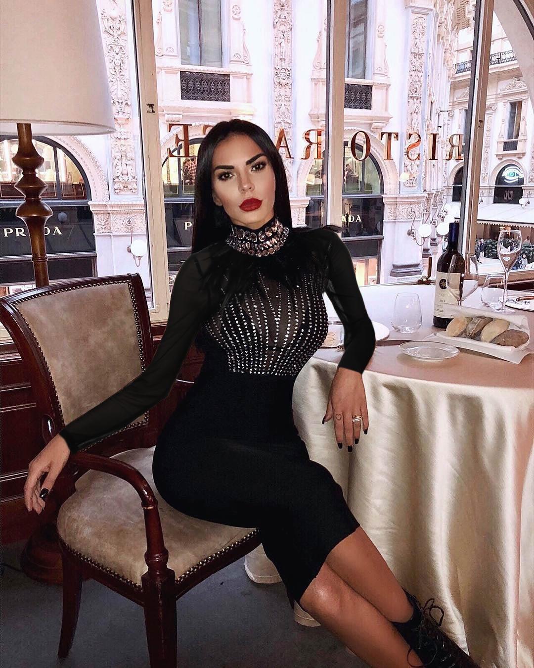 Mode à manches longues col roulé diamants noirs extensible Slim Fit avec Club de haute qualité femmes célébrité fête Bandage robe