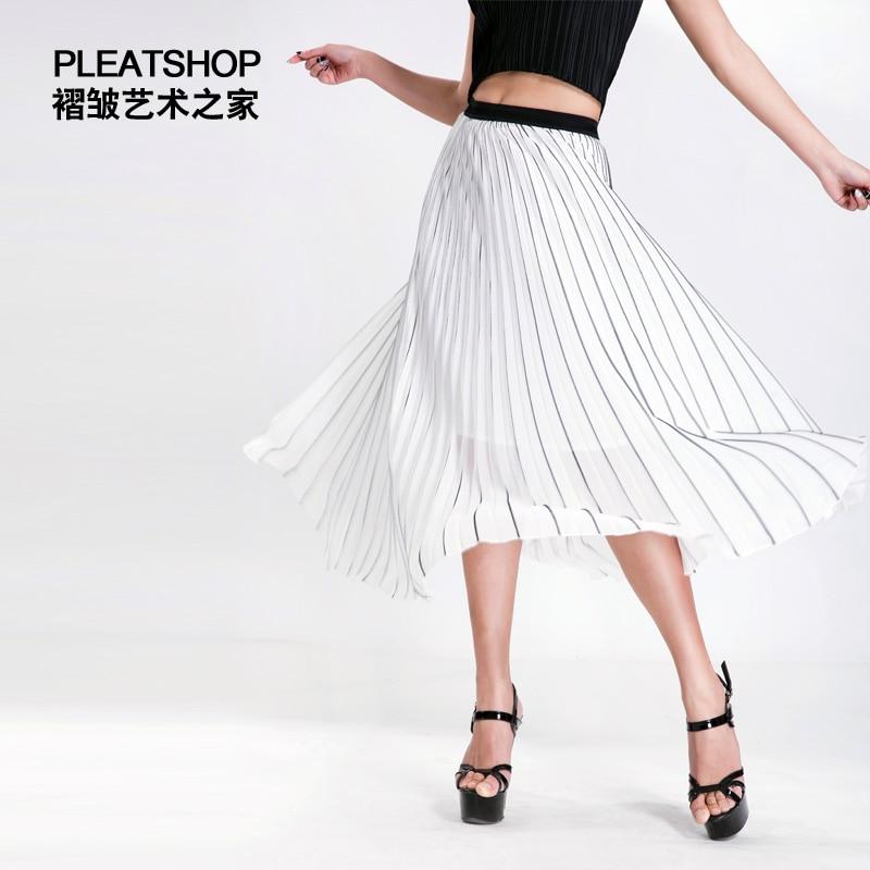 Plisado raya elegante gasa blanca plisada Falda plisada cintura elástico de  las mujeres del verano falda elegante del busto faldas del doblez libre shi  en ... 6aedd05f04a1