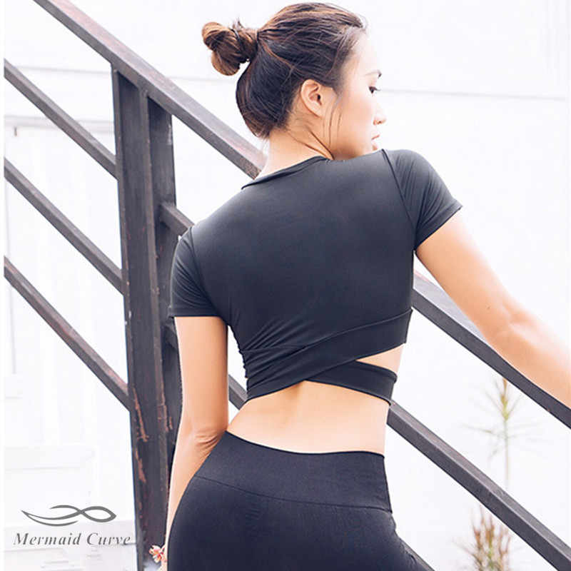 2018 جديد عبر جوفاء اليوغا نحيل المحاصيل الأعلى مثير المرأة قصيرة الأكمام t-shirt لياقة مرونة الجاف سريع أعلى تجريب رياضة shirt