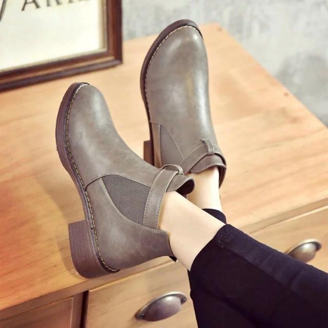 GOXPACER Kış Çizmeler Kadın Düz Renk Orta Topuk Kadın Martin Boots Toka Askı Moda Yuvarlak Ayak Ayak Bileği Patchwork Tüm Maç