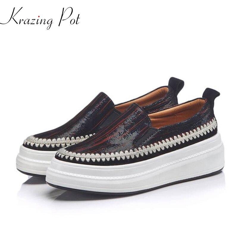 Ayakk.'ten Vulkanize Kadın Ayakkabıları'de Krazing Pot 2019 Sonbahar Kış koyun süet düz platform tiki tarzı ayakkabı yuvarlak ayak güzellik kız rahat vulkanize ayakkabı L78'da  Grup 1