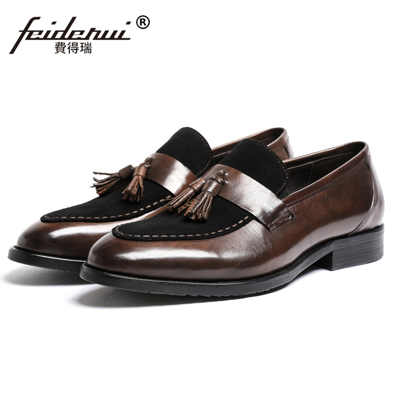 все цены на Fashion Round Toe Cow Suede Man Casual Shoes Genuine Leather Male Tassels Loafers Designer Brand Comfortable Men's Flats YD70