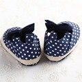 2016 Algodão Marca Mocassim Bebê Recém-nascido Menina Crianças Prewalker Bebe Sapatos Mary Jane Arco Infantil Ao Ar Livre Da Criança Sola Macia 3 tamanhos