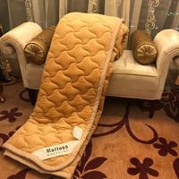 Ev ve Bahçe'ten Yatak Pedleri'de Katlanabilir yatak kraliçe king size yatak koruma pedi Öğrenci tek kişilik yatakhane Yatak Toppers Yatak Örtüleri Tatami Paspaslar