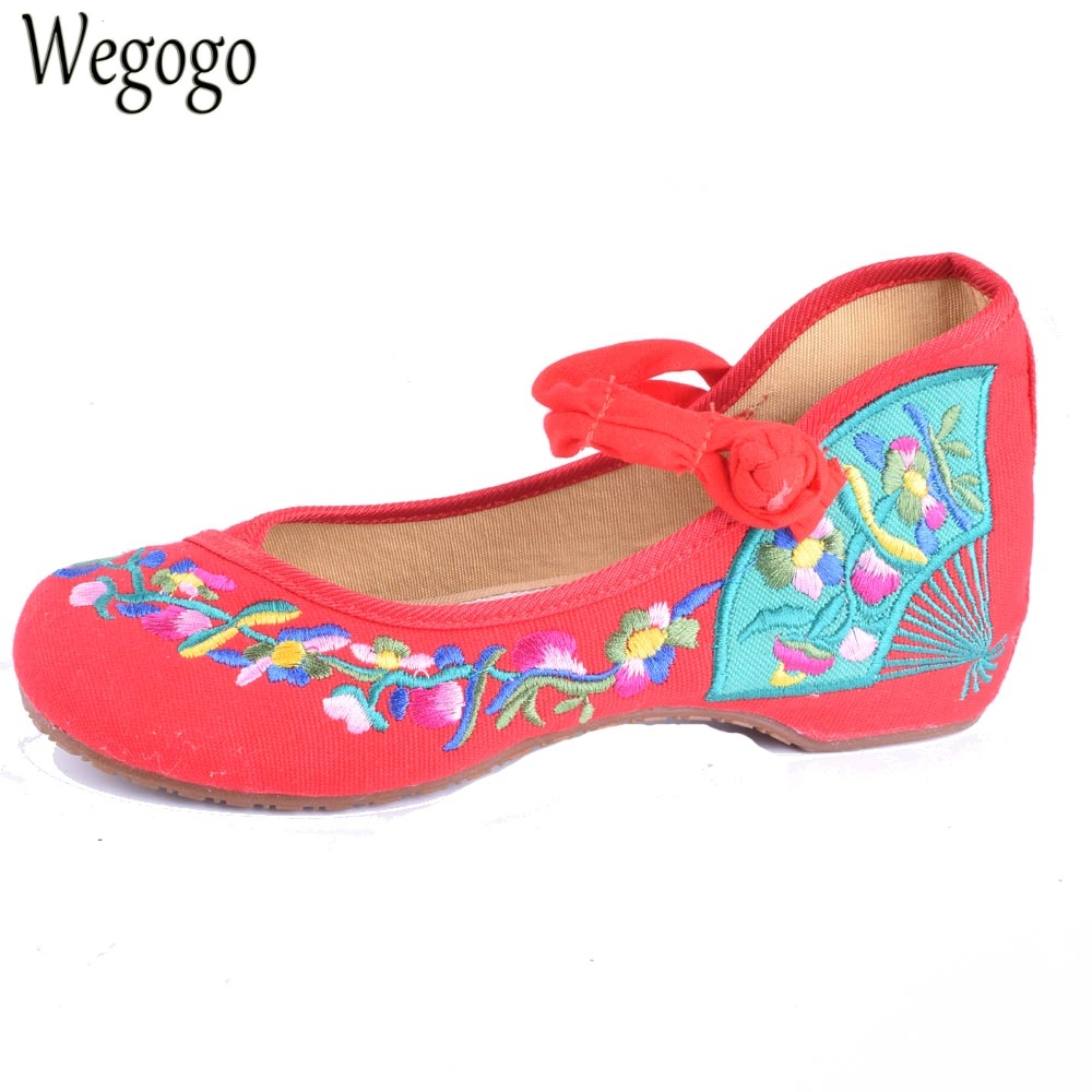 Vintage Women Flats Old Beijing Mary Jane Casual Flower Embroidered Cloth Soft Canvas Dance Ballet Shoes Woman Zapatos De Mujer vintage flats shoes women casual cotton peacock embroidered cloth flat ankle buckles ladies canvas platforms zapatos mujer