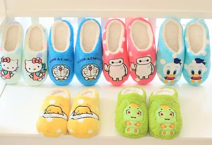Plush cute 1 pair cartoon Donald Duck Lazy egg hello kitty Baymax Doraemon winter home floor slippers holiday toy girl gift