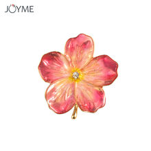 Charm Wedding Pink Flower Brooch Pins Fashion Jewelry Gold Color Brooches  Kate Princess Memorial Badge Enamel Brooches for Women afc728098e9c