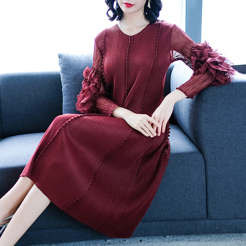 Spring Women Pleated Fashion New Solid Color Lace Puff Sleeves Loose Long Sleeves Lady Dress