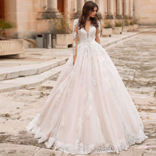 Eightree Vintage V neck A line Wedding Dresses Beach Long Sleeves Bridal De Mariage Elegant Lace Gowns Illusion Back Gowns
