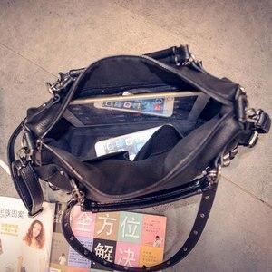 Image 3 - حقيبة يد نسائية من الجلد الصناعي موضة جديدة 2020 مصنوعة من جلد البقر الأسود/الفضي حقيبة يد كبيرة بكتف واحد Z474