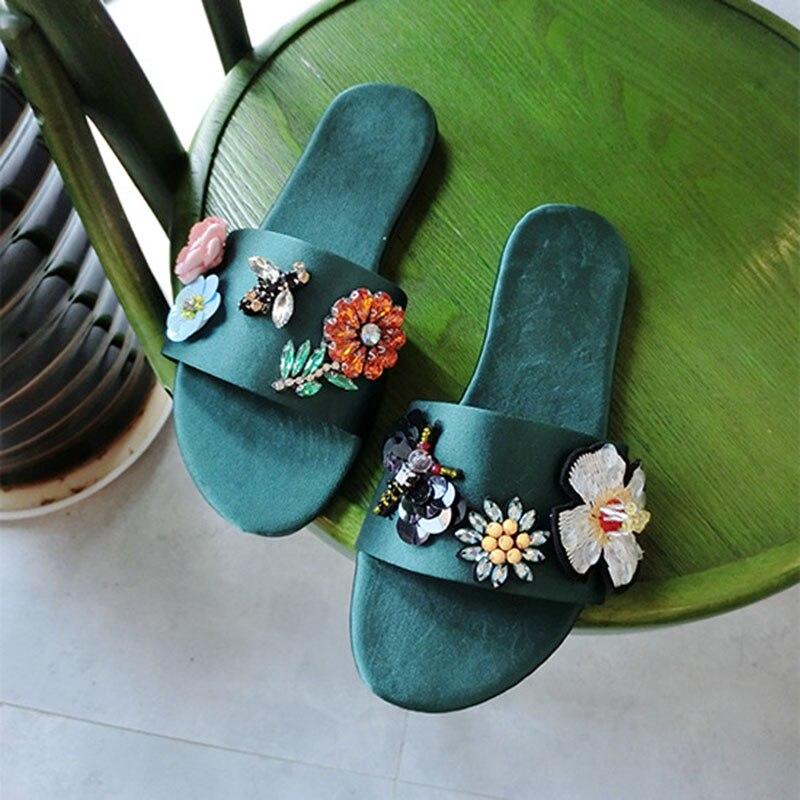 Шикарный цветок аппликации Шлепанцы женские мягкие шелковые riband Стрекоза украшения пляжные сандалии летние шлепанцы sapato feminino