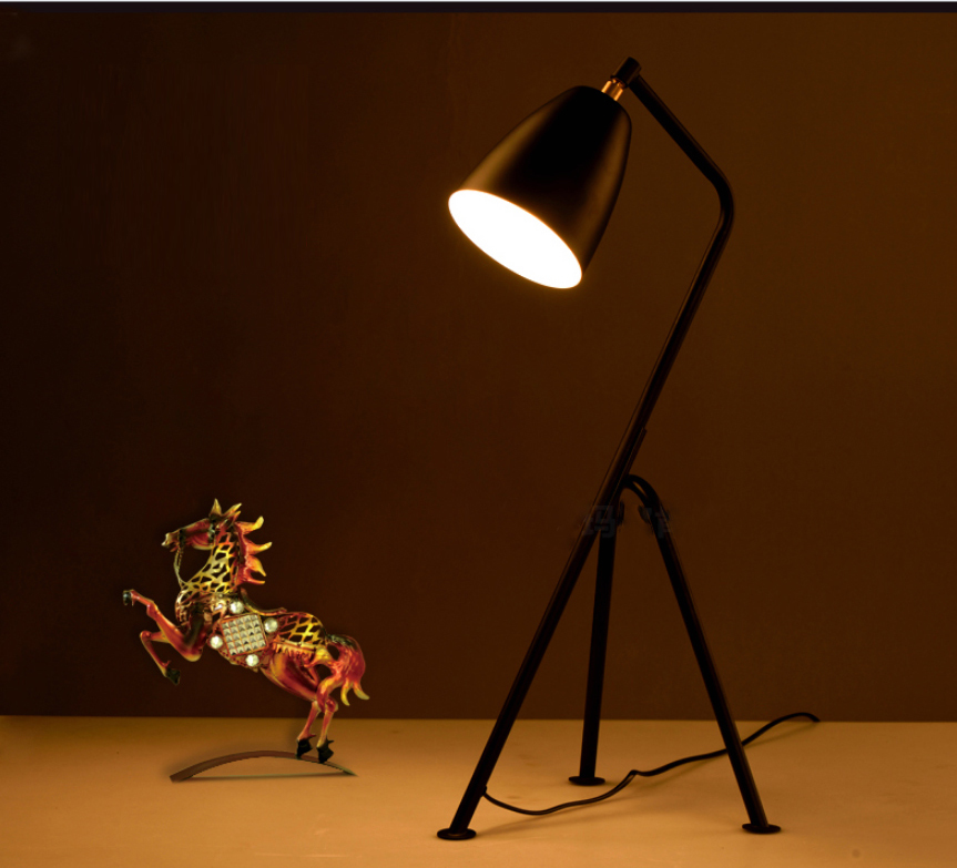Modern Tripod Table Lamp with E27 Base Black Desk Lamp LED Table Light For Bedroom Bedside Lighting Study Office Reading