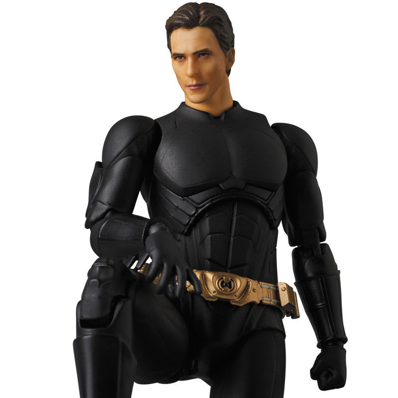 new 17cm Batman BEGINS SUIT The Dark Night PVC Action Figure Collectible Model Toy