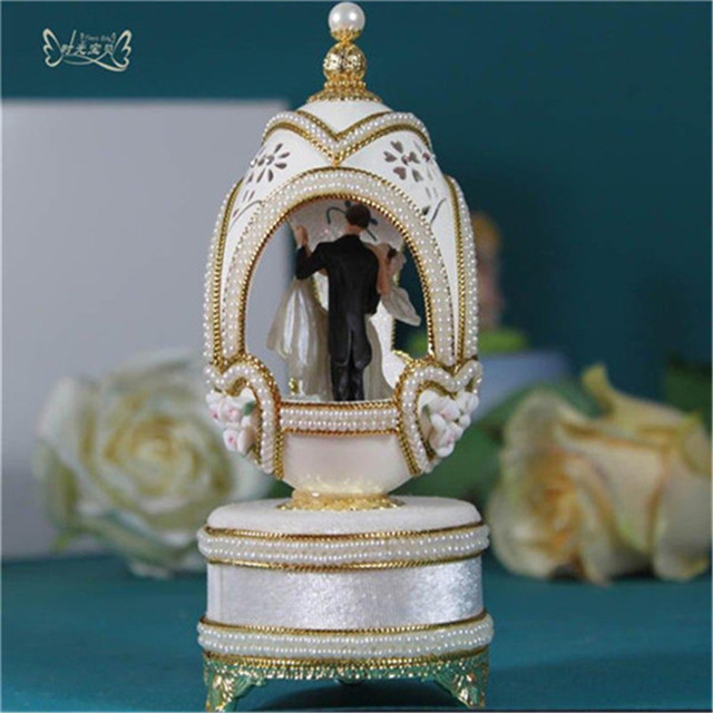 Home Decor Ballerina Music Boxes Luxury Eggshell Musical Box Wedding Couple Dancing Valentines Day