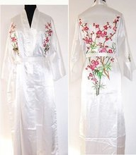 2014 New White Women's Bathrobe Kaftan Silk Robe Gown Embroidered Sleepwear Kimono Gown Dropshipping S M L XL XXL XXXL W3S001