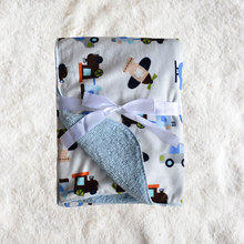 Bayi keluarga hangat selimut selimut kereta kartun, untuk kanak-kanak tidur tertutup di katil bayi di sofa pejabat kasur.