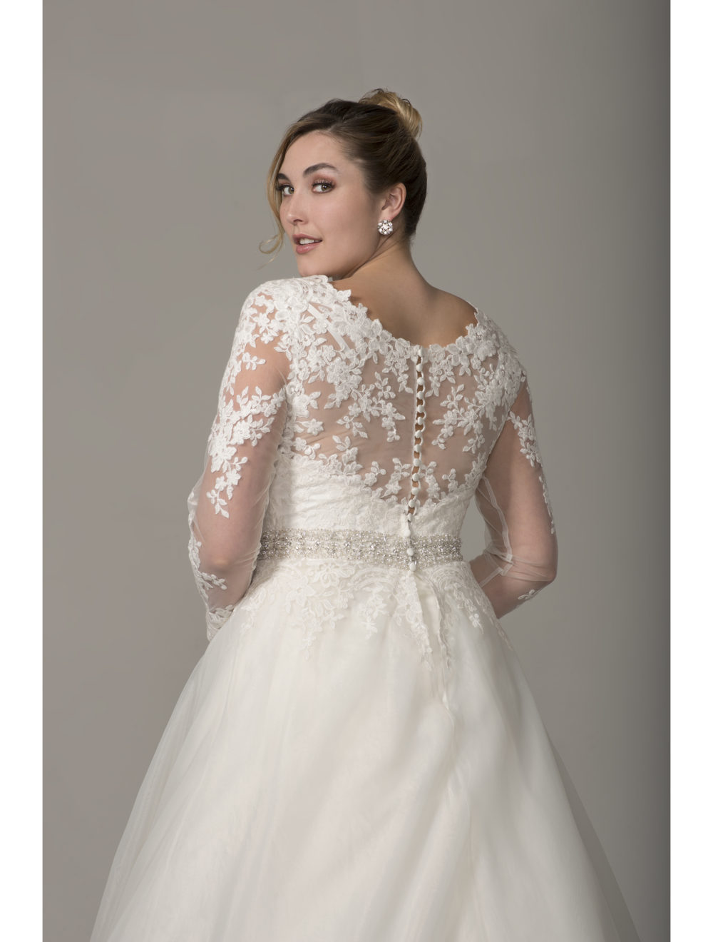 Outstanding full figure wedding dresses ensign princess for Full size wedding dresses