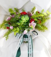 New Style Handmade Wedding Floral Bridal Bouquet Bride Bouquet Artificial Flowers Hand Holding Flower Green Red Flowers Decor
