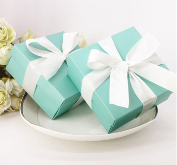 100PCS Tiffany Blue Wedding Favors Candy Box Wedding Candy Holders Party and Birthdays Baby Shower Favor Box