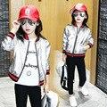 Новый 2017 Весенняя Мода Девушки ПУ Пальто Kid Бейсбол Пальто Малыша Серебро Куртка Большой Бренд Стиль Родитель-ребенок Clohes, 3-14Y