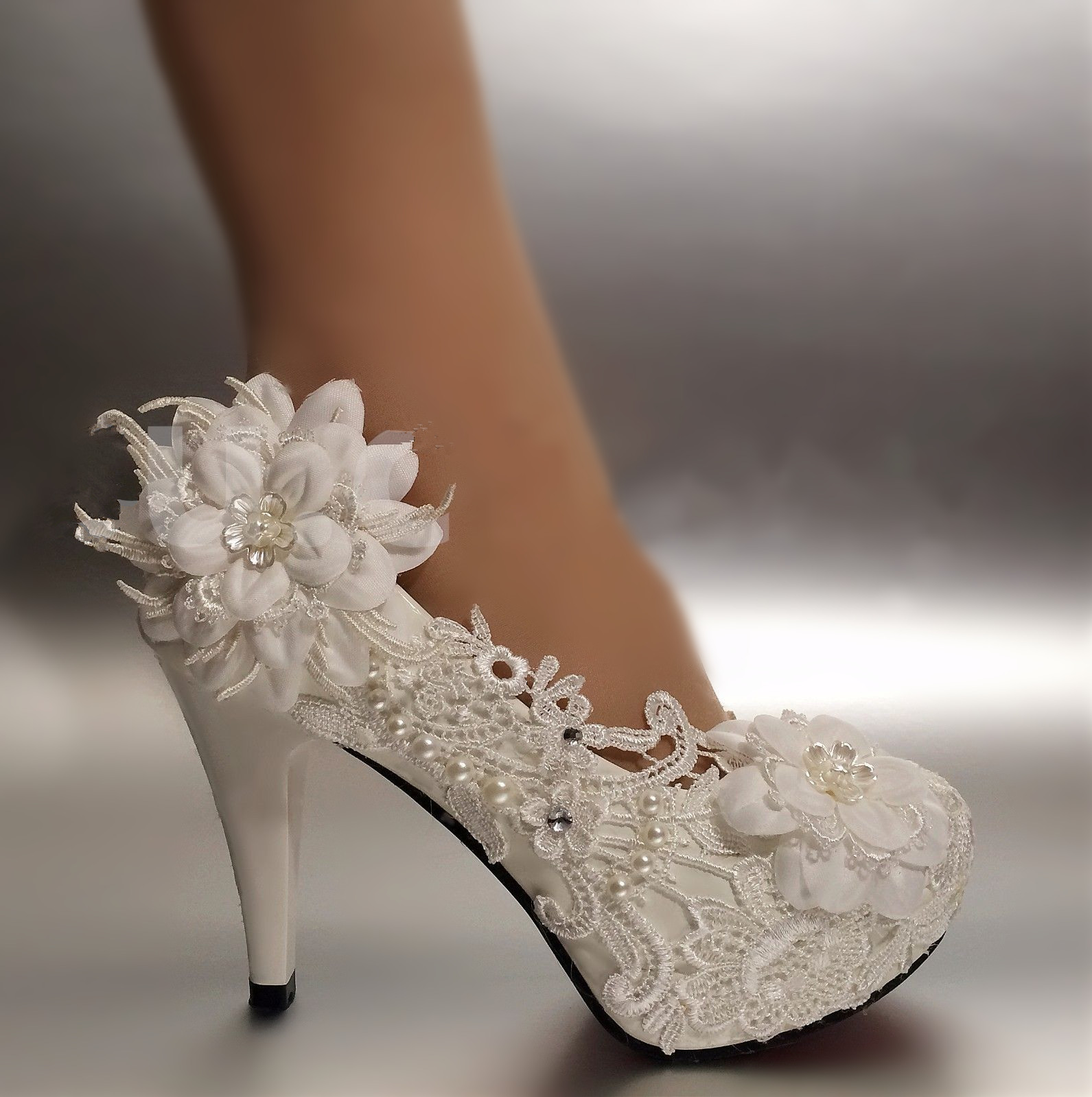 ФОТО Women Pumps Shoes Patent leather Round Toe Lace wedding shoes large size 41-42