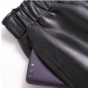 Image 5 - Calções de couro genuíno para mulheres coreano moda 2020 cintura elástica espólio mini sexy curto feminino vermelho/camelo/preto calzones mujer