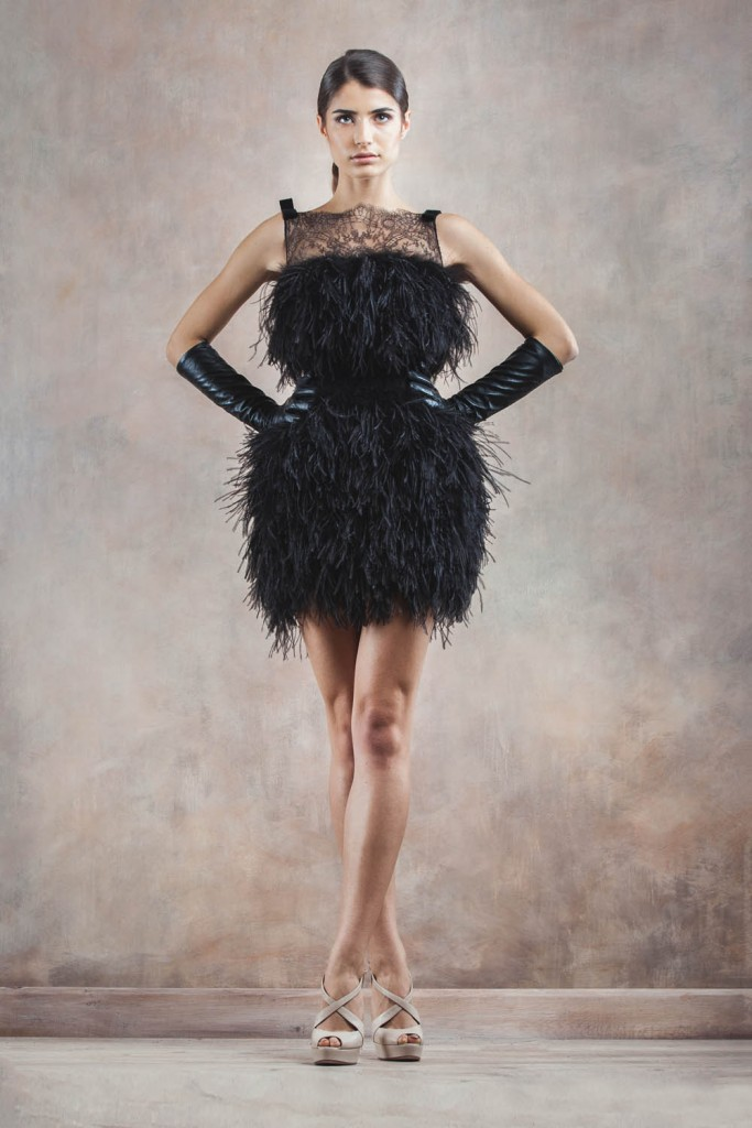2015 plumas vestido negro corto sin mangas cóctel de encaje sin espalda vestidos