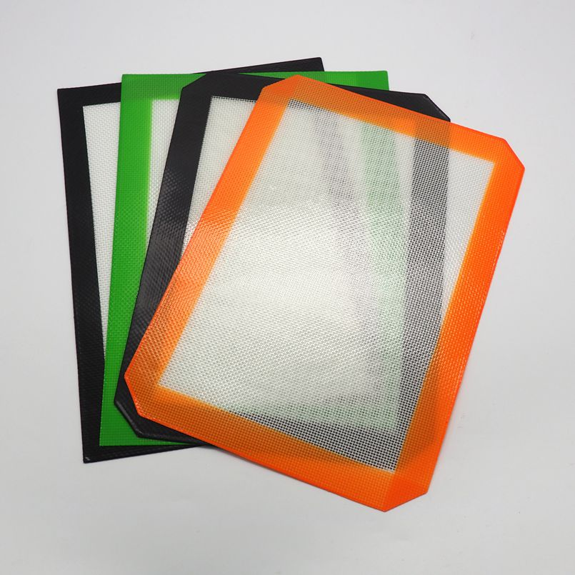"""12/"""" X 8.5/"""" Silicone Mat with 2 Silicone Containers random colors"""