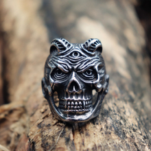 Horned Vampire Devil Skull Rings Mens Punk Rock Stainless Steel Ring Biker Jewelry