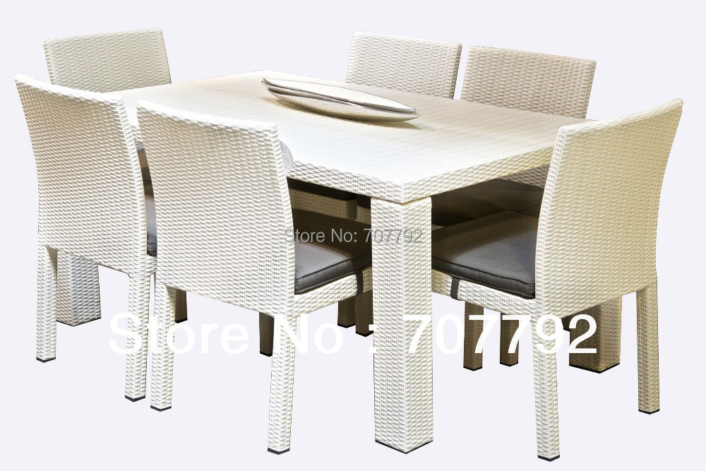 2017 top sale white outdoor furniture rattan table and chair in