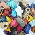 Натуральная Кожа Детские мокасины мягкая детская обувь Первые Walkers крытый Младенческой лук бахрома Ботинки Малыша бесплатная доставка