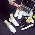 2017 Nuevas Mujeres del Resorte Verano Junta Atan Para Arriba Los Zapatos de Las Mujeres Ocasionales Mujer Zapatos de Lona de Los Zapatos Bajos de Pedal Respirable Vulcanizado zapatos