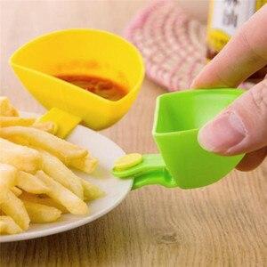 1PCS Assorted Seasoning Sugar Salad Tomato paste Sauce Dishes Kitchen Clip Bowl Dip Small Clip Seasoning Dish #1205 A1#(China)