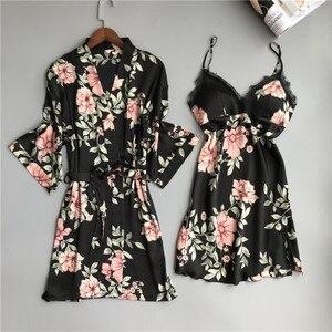 Image 2 - Zwei Stück frauen Pyjamas Silk Kleid Und Robe Kleid Set Floral Bademantel Dessous Femme Sexy Nachthemd Kimono Nachtwäsche Hause anzug