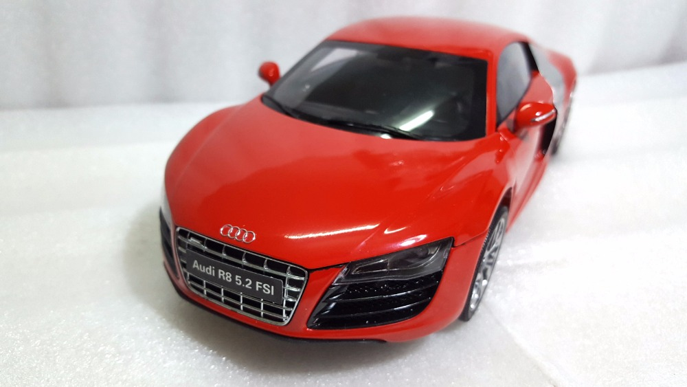 1:18 Diecast Model for Audi R8 5.2 FSI Red Sport Car Alloy Toy Car Miniature Collection Gifts blue 1 18 diecast car model for audi a8 a8l w12 2014