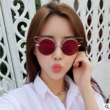 New Classic Vintage Women Sunglasses Vintage Cat Eye Sunglasses Metal glasses Frames Fashion Metal Tide glasses Brand Sunglasses