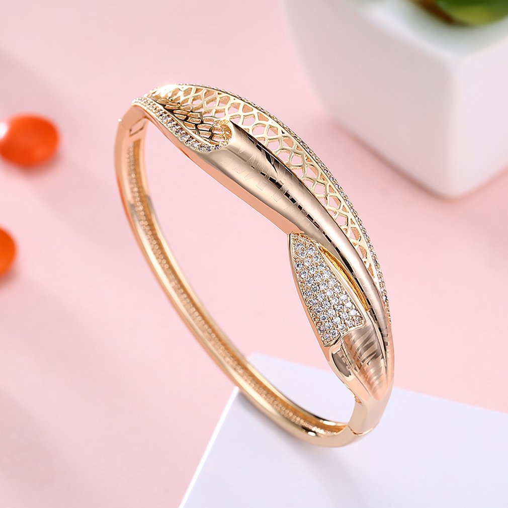 Trendy Geometric Design Jewelry Woman Bracelet Champagne Gold Luxury ...